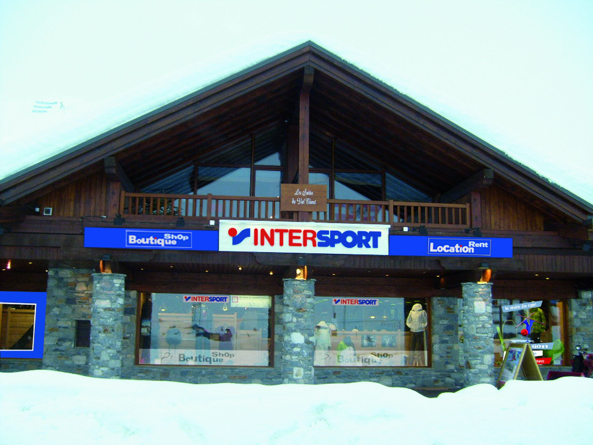Facade_magasin_Intersport_montagne_HD___Tignes.jpg